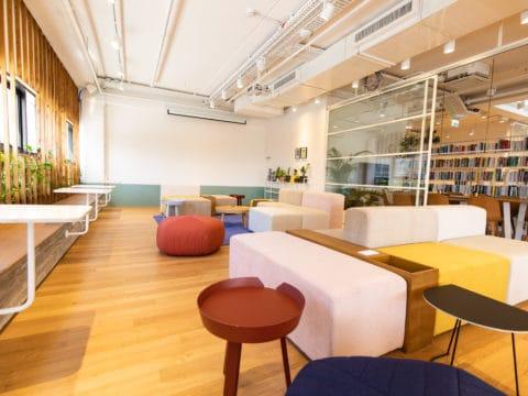 חדר ישיבות בהאוס - House - חלל עבודה ברמת השרון