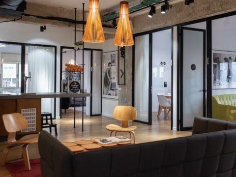 חדר ישיבות במיט אין פלייס - Meet in Place - חלל עבודה בתל אביב
