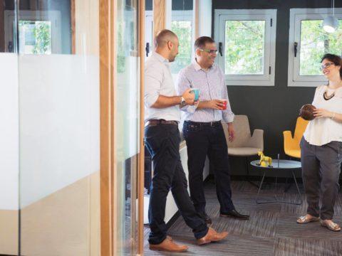 חדר הרצאות בפאוורבול פולג - Powerball Poleg - חלל עבודה בנתניה