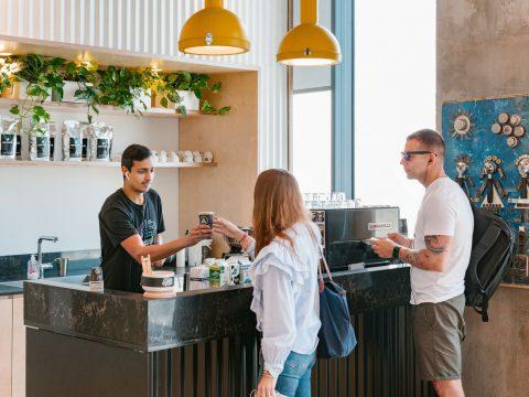 חדר ישיבות בווי-וורק דרך מנחם בגין תל אביב - WeWork Derech Menachem Begin Tel Aviv - חלל עבודה בתל אביב