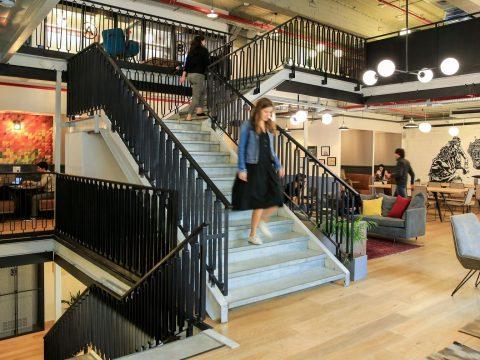 עמדה באופן ספייס בווי-וורק לונדון מיניסטור תל אביב - WeWork London Ministore Tel Aviv - חלל עבודה בתל אביב