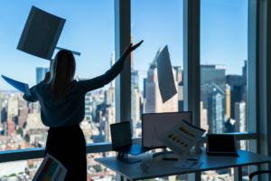 האם חלל עבודה משותף משתלם יותר ממשרד רגיל?